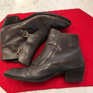 J Crew Monk style Chelsea Boots. Gray   Size 8